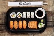 Lofoten Sushi; sashimi, nigiri og maki på fat